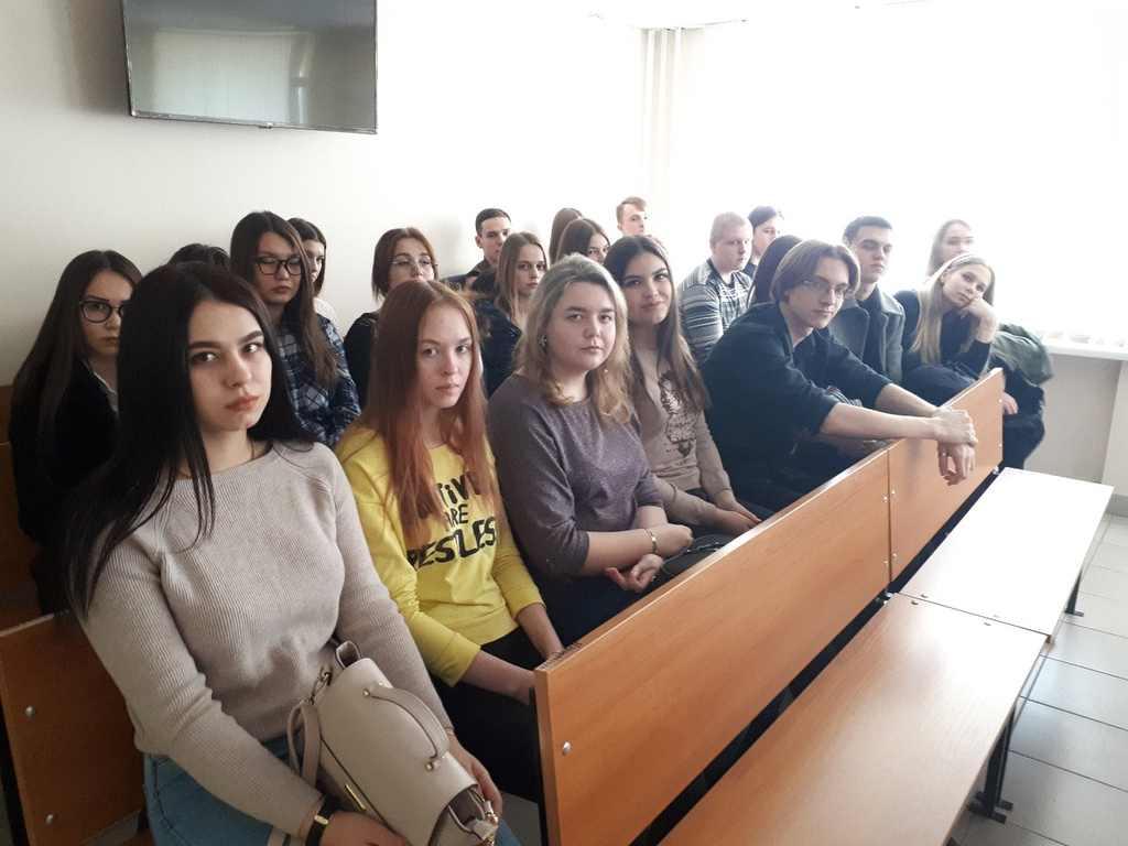 Будущие юристы на интерактивном занятии в Калининском районном суде г. Челябинска